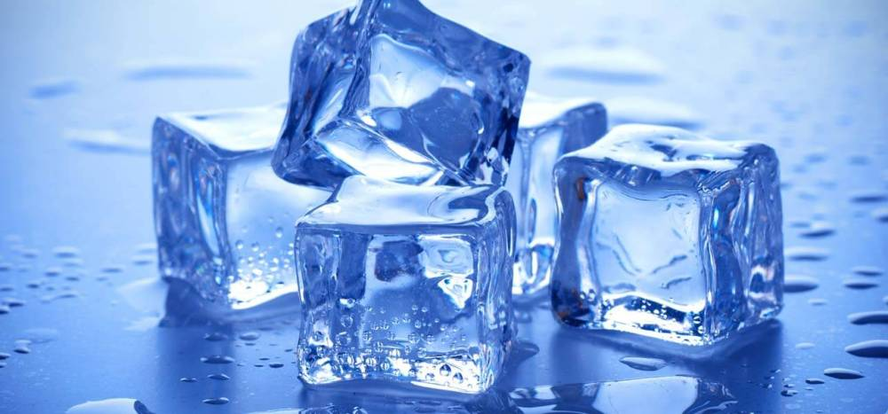 beauty-with-ice-cubes
