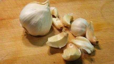 how-to-separate-garlic-cloves
